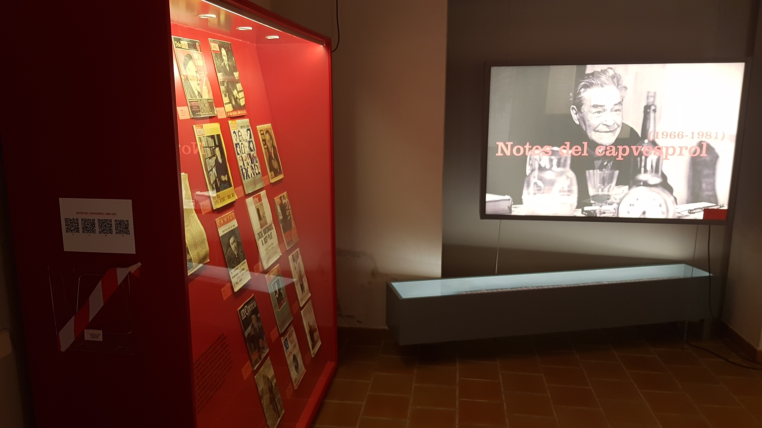 Exposició permanent de la Fundació Josep Pla amb foto de l'Escriptor empordanès