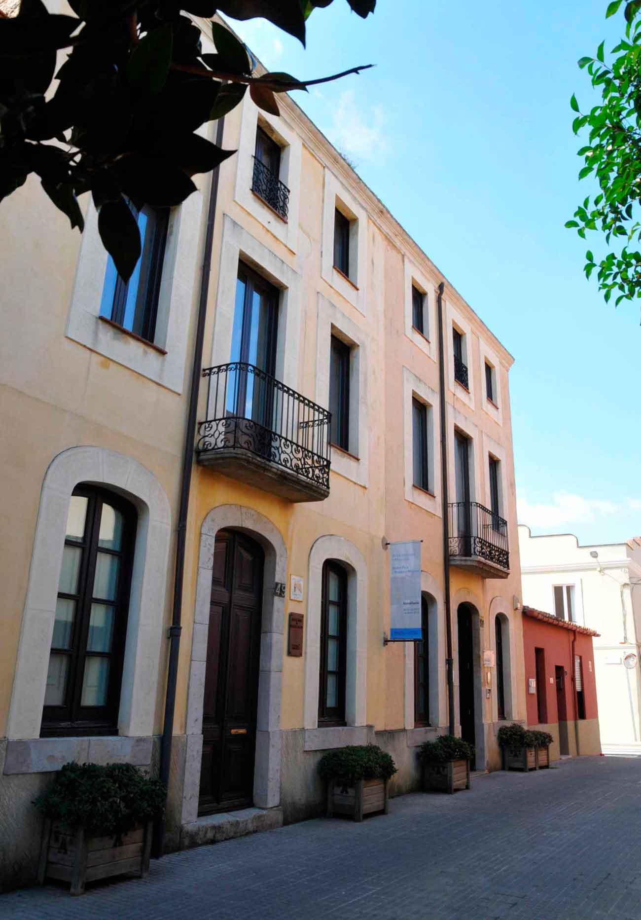 La façana de la Fundació del carrer Nou de Palafrugelle